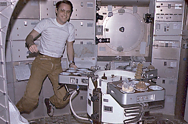 Skylab 4 meals 7450716-orig