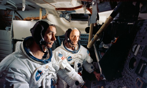 Apollo 10 sim S69-32615-orig