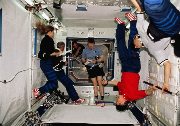 Expedition One and STS-98 crew in U.S. Laboratory