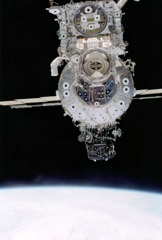 STS-92 0102494_orig
