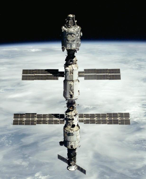 Unity-Zarya-Zvezda_STS-106.jpg